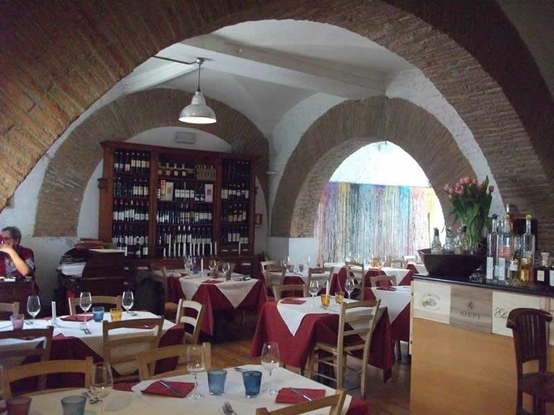 Cucina romana campo de 39 fiori roma vino e camino - Cucina romana roma ...